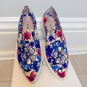 Miu Mou Patent Floral Runners